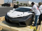pictures-of-lamborghini-reventon-being-exported-4